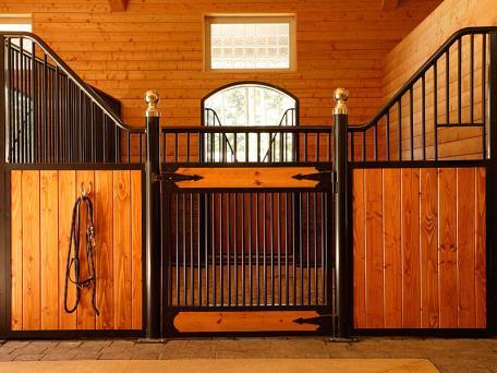 Custom Horse Stalls Ramm