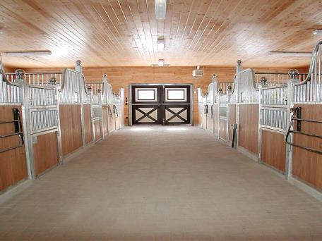 Tuscany horse stalls for Horse barn materials